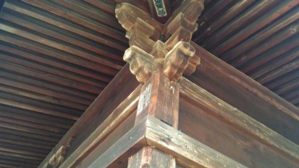 観音堂の母屋柱