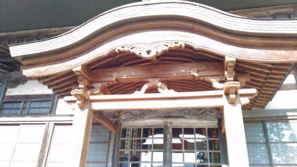 長谷寺本堂の向拝