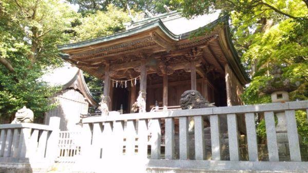 天津神社本殿