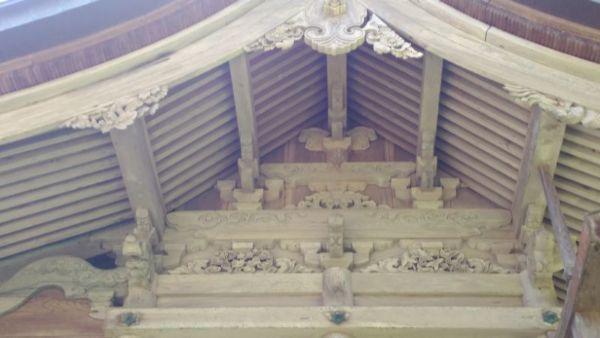 本殿の妻壁