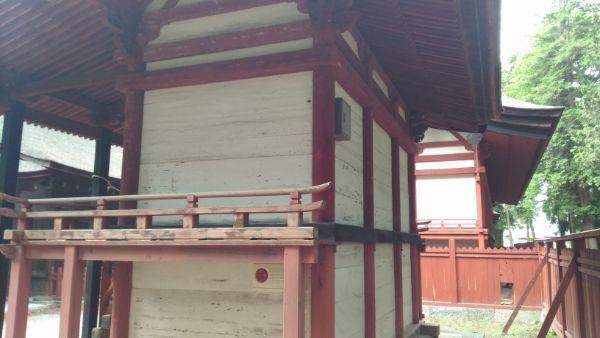 若宮八幡神社本殿の左後方