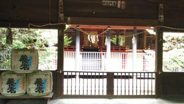窪八幡神社拝殿の内部
