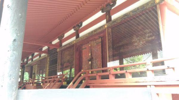窪八幡神社本殿の母屋正面
