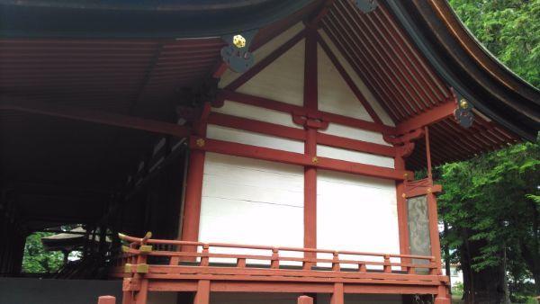 窪八幡神社本殿の妻壁