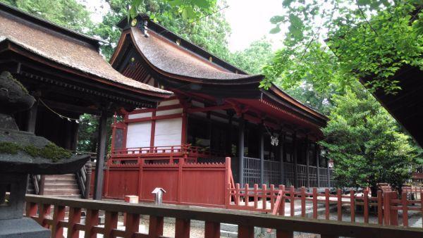 窪八幡神社本殿