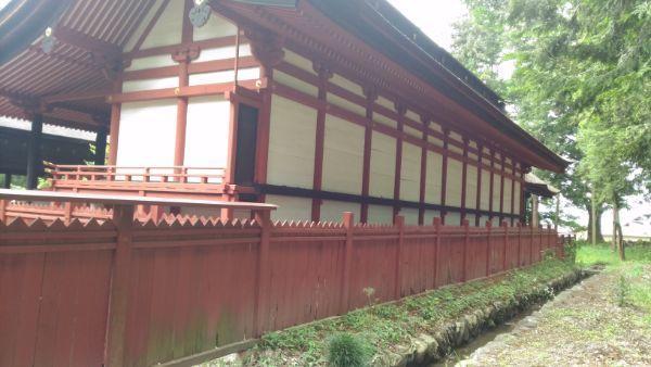 窪八幡神社本殿後方