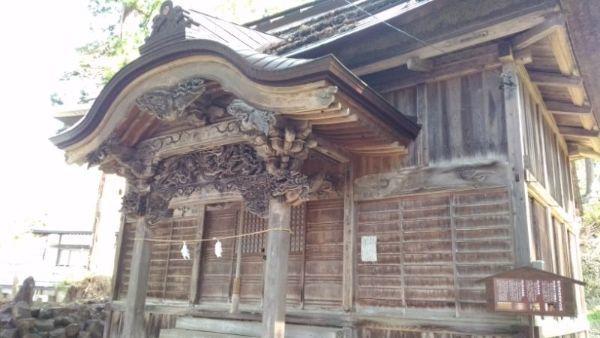 湯沢神社拝殿