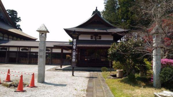 浄興寺の仏堂