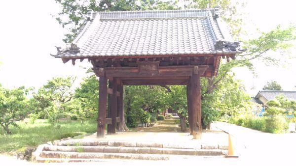 清白寺総門