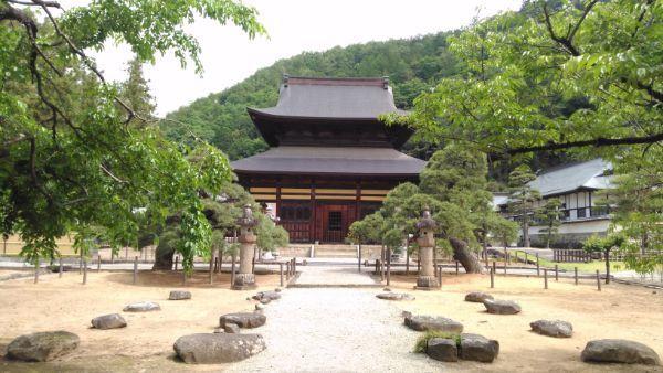 向嶽寺仏殿