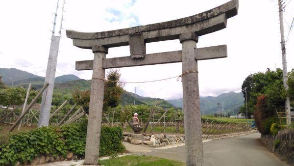 中牧神社の鳥居