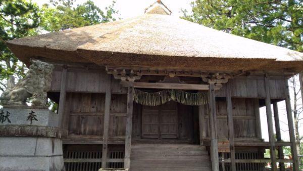 松苧神社本殿