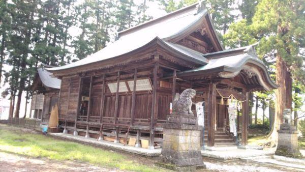 魚沼神社拝殿