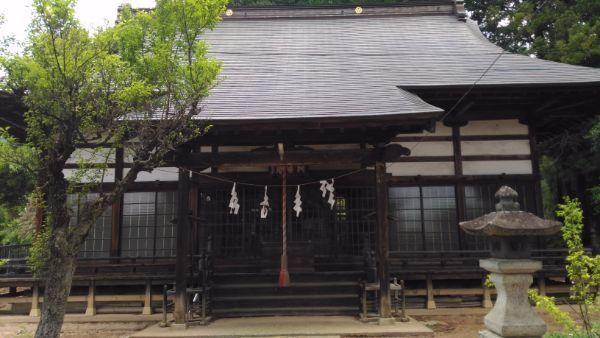 玉諸神社拝殿