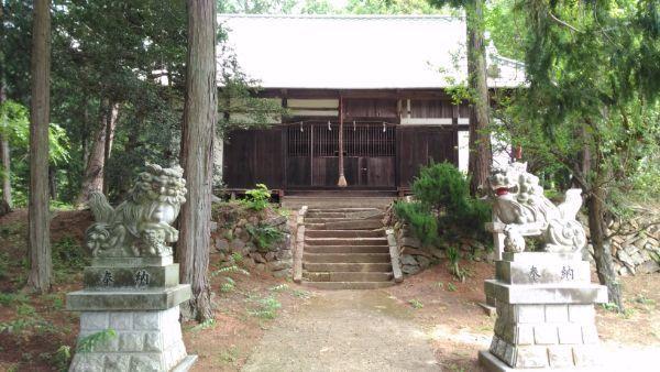 金井加里神社拝殿