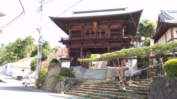 塩澤寺山門
