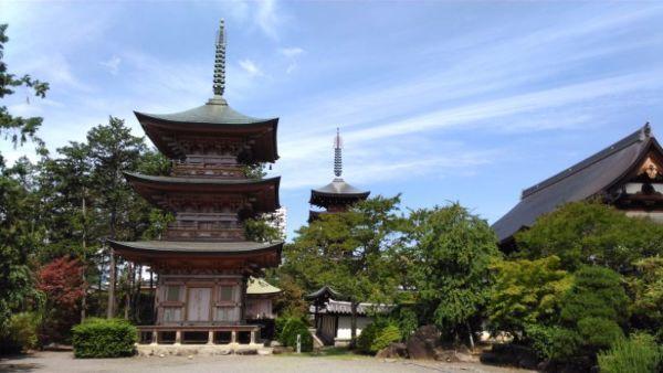 長禅寺三重塔