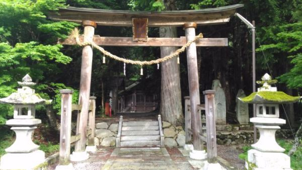 白山御嶽神社入口
