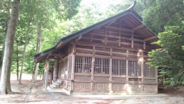 白山御嶽神社拝殿