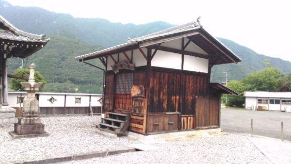 等覚寺円空堂