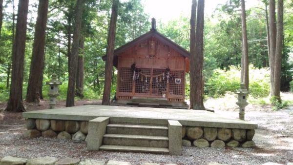 阿智神社奥宮舞台と拝殿