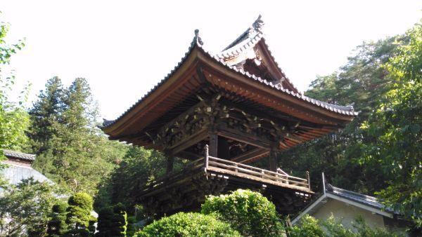 安楽寺鐘楼
