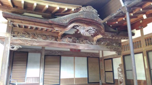 安楽寺玄関