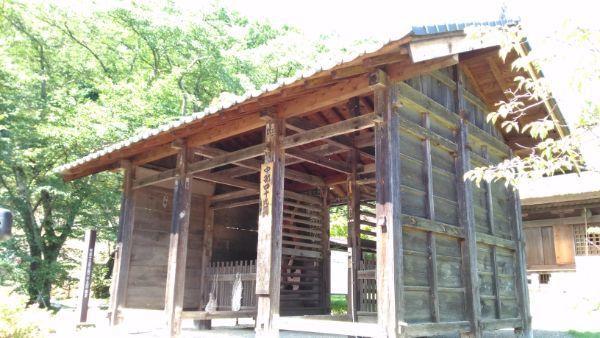中禅寺仁王門