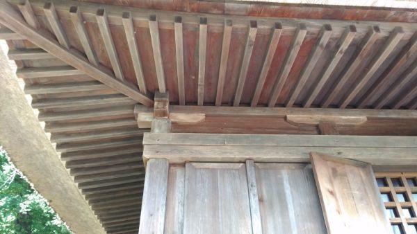 中禅寺薬師堂正面軒下