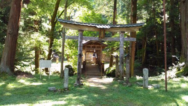 塩野神社の鳥居