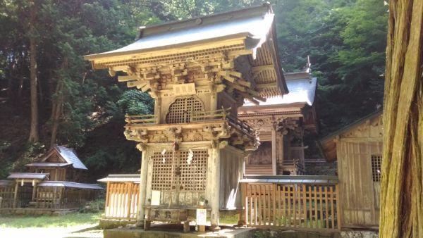 塩野神社勅使殿