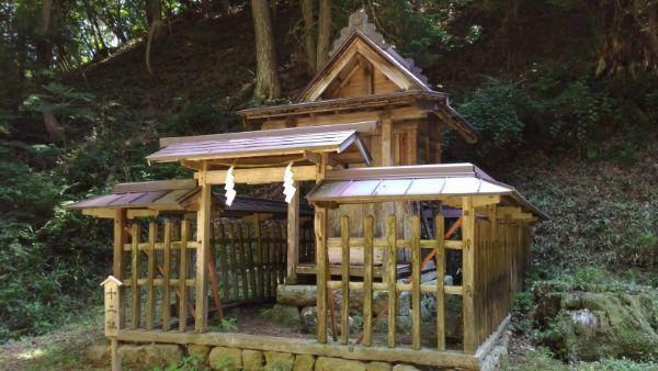 塩野神社摂社