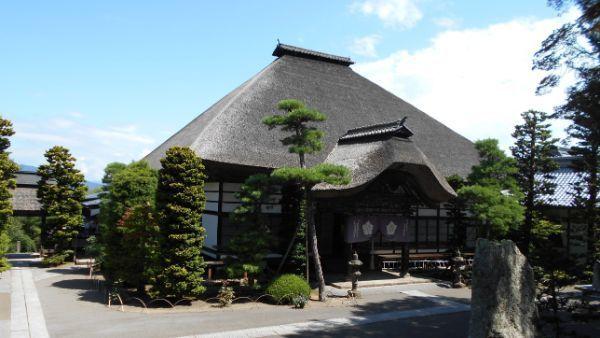 前山寺本堂