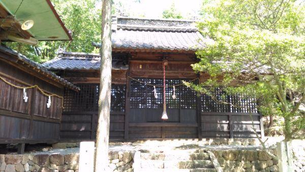 塩野神社拝殿