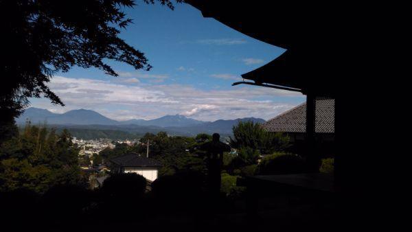霊閑寺境内の眺望