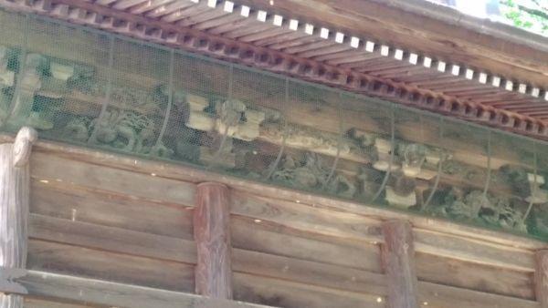 本殿背面の彫刻