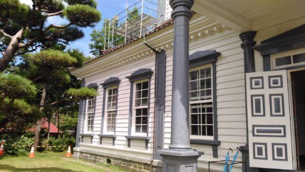 旧西田川郡役所ポーチ