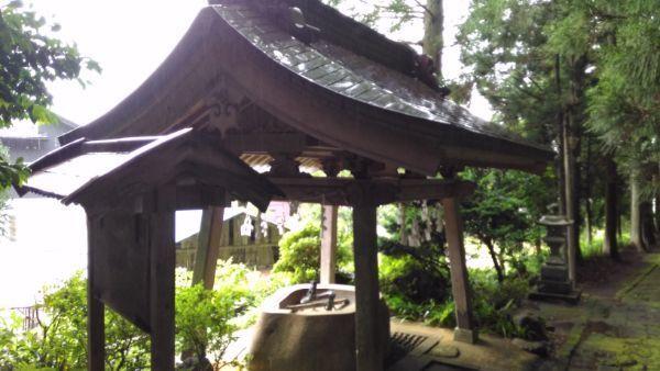 水上八幡神社手水舎