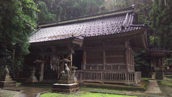 水上八幡神社拝殿