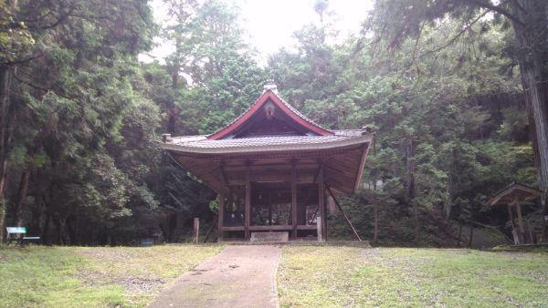 野神社拝殿