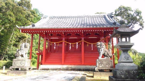 八所神社本殿