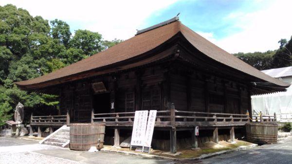 滝山寺本堂