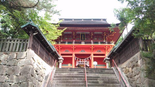 六所神社楼門
