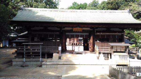 上地八幡宮拝殿