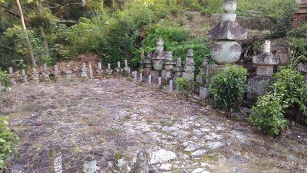 松平家霊廟と三方ヶ原合戦忠死者の墓