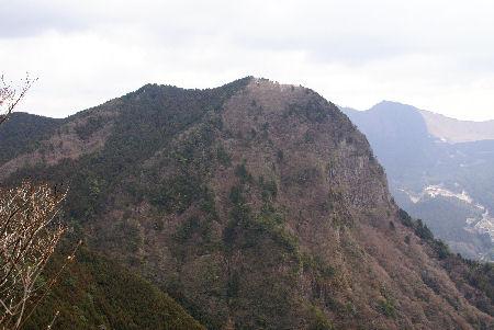 写真3:鎧岳(兜岳北尾根より)