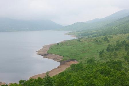 090703siganozori1 霧の野反湖