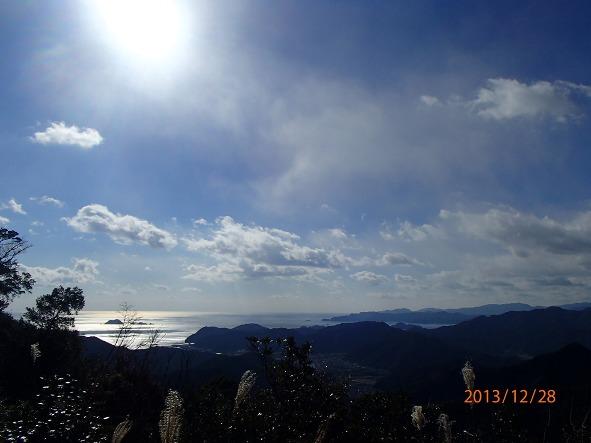 131226-140102kumanokodo2 ツヅラト峠より紀伊長島の海!