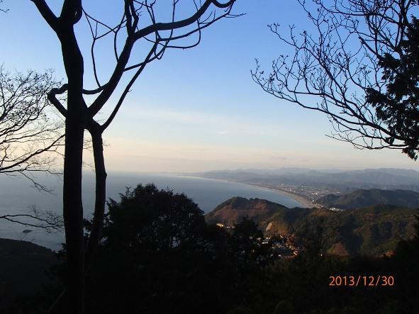 131226-140102kumanokodo10 いよいよ七里御浜が見えてきた!