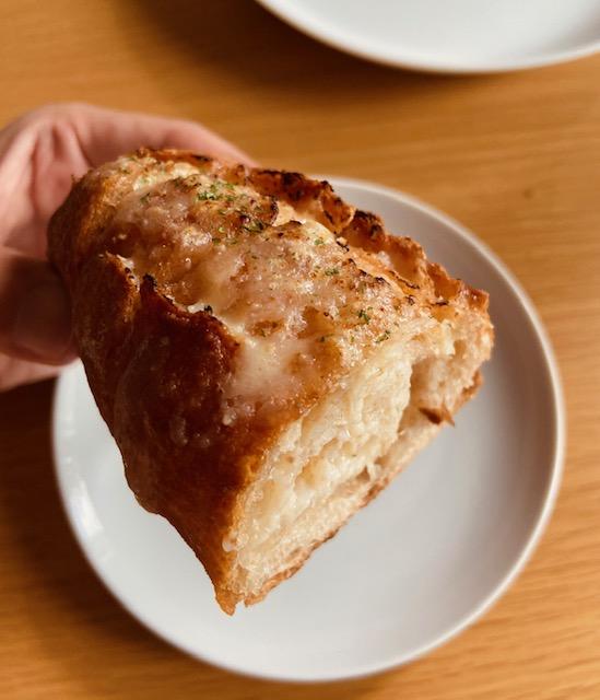 円麦のガーリックフランス
